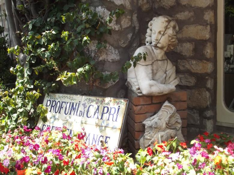 Capri-25