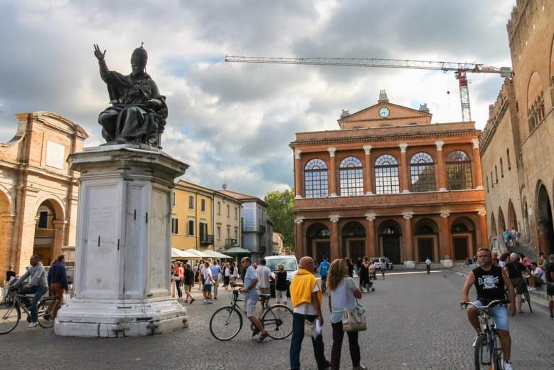 rimini-grad-italija-putovanja-ljeto