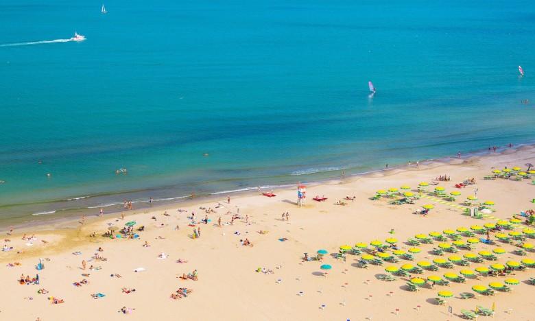rimini-plaža-turizam-more